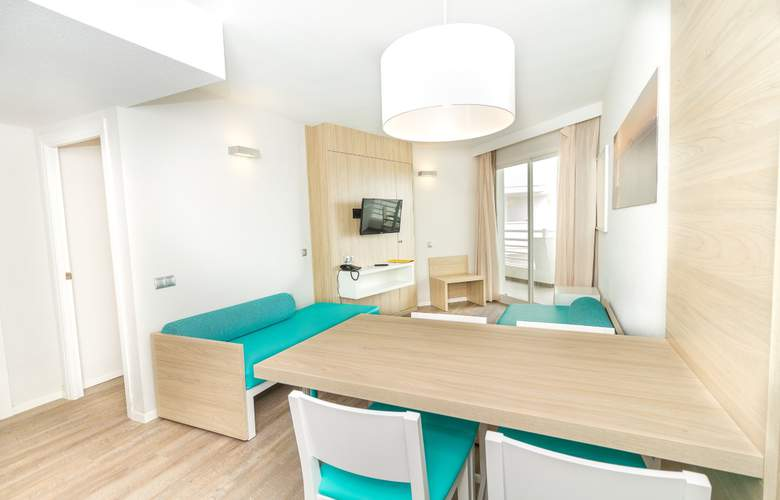 Eix Lagotel Hotel y apartamentos - Room - 11