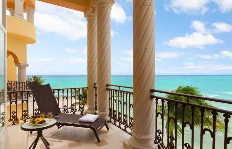 Panama Jack Resorts Gran Porto Playa del Carmen - Terrace - 33