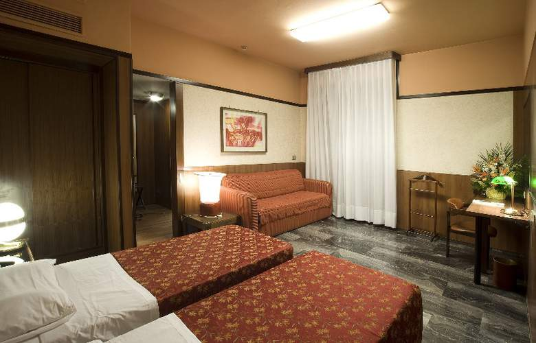 Grand Hotel Elite - Room - 6