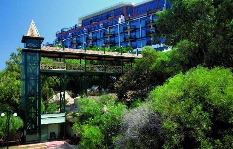 Merit Crystal Cove - Hotel - 12