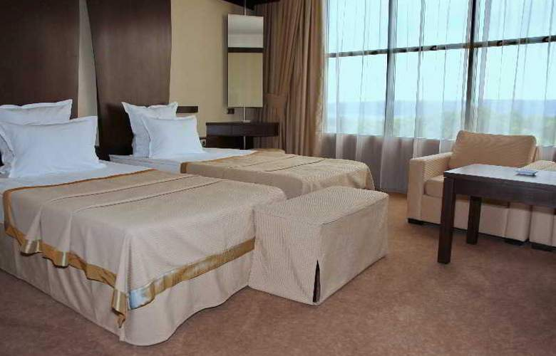 Rosslyn Dimyat Varna - Room - 11