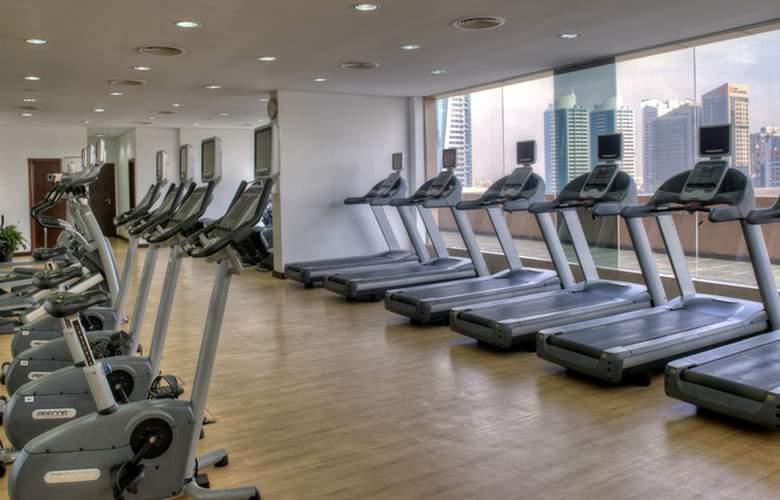 Two Seasons Hotel & Apartments Dubai - Sport - 4