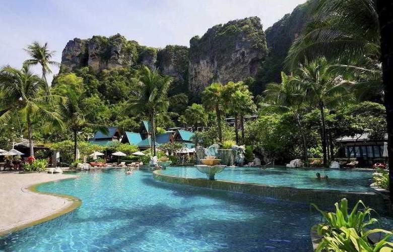 Centara Grand Beach Resort and Villas Krabi - Pool - 38