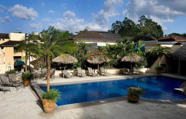 Apartotel & Suites Villas del Rio - Pool - 4