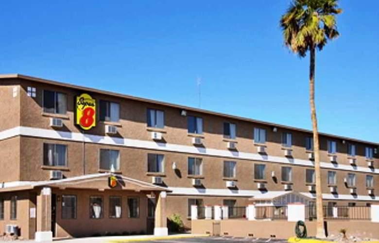 Super 8 Lake Havasu City - Hotel - 0