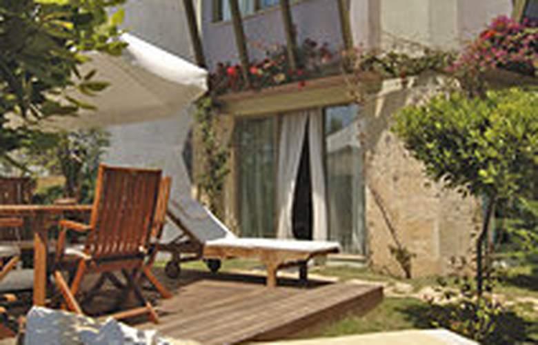 Gloria Verde Resort - Terrace - 7