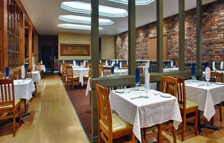 Four Points by Sheraton Toronto Airport - Restaurant - 9