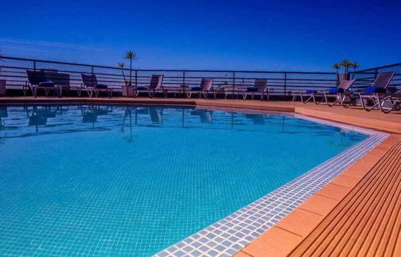 Holiday Inn Lisboa - Pool - 28