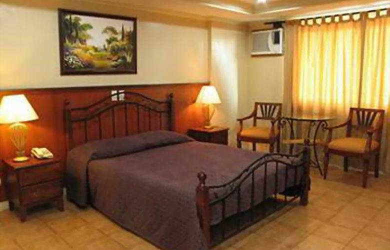 Crown Regency Residences Davao City - Room - 4