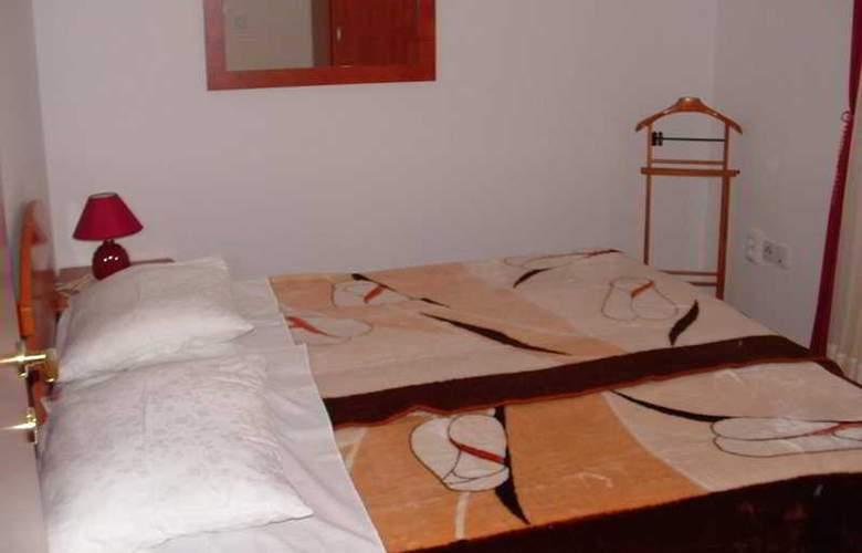 Apartmani Lepur - Room - 2