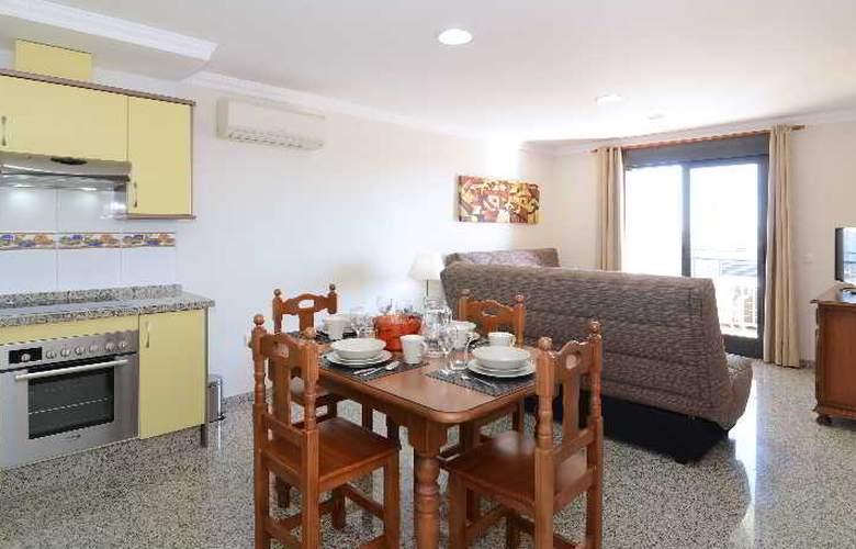 Apartamentos Nuria Sol - Room - 6