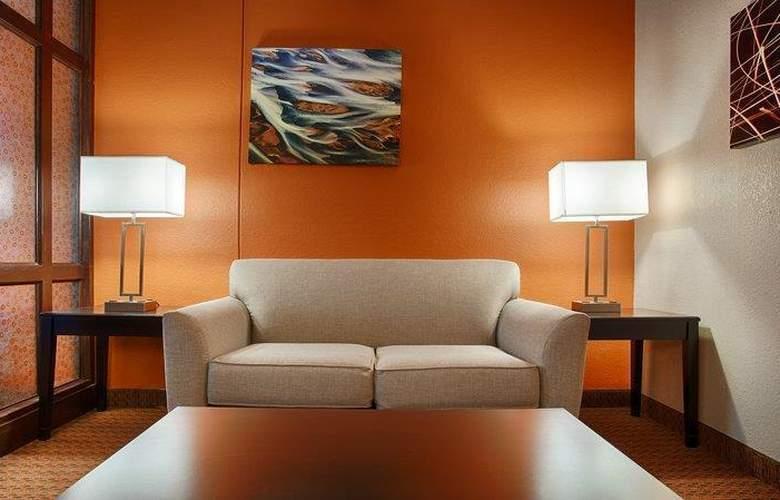 Best Western Plus Lubbock Windsor Inn - Room - 24