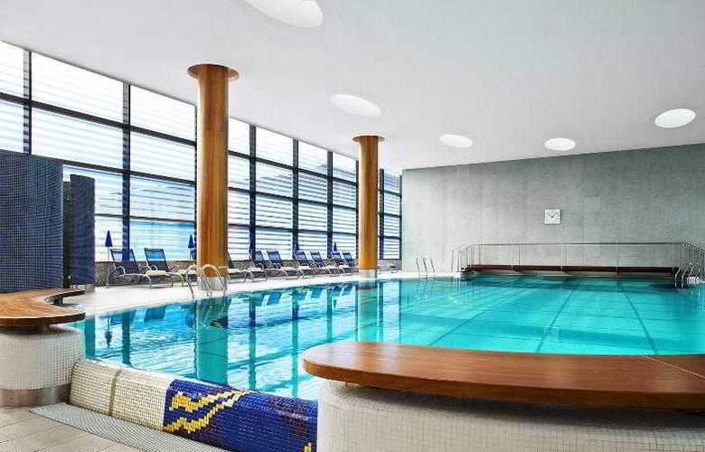 Sheraton Grand Hotel & Spa Edinburgh - Pool - 36