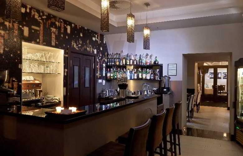 Carat Boutique Hotel - Bar - 12