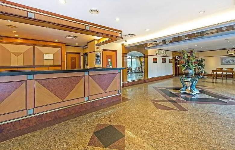 Hotel 81 Star - General - 9