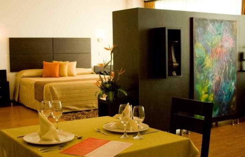 Varuna Hotel - Room - 1