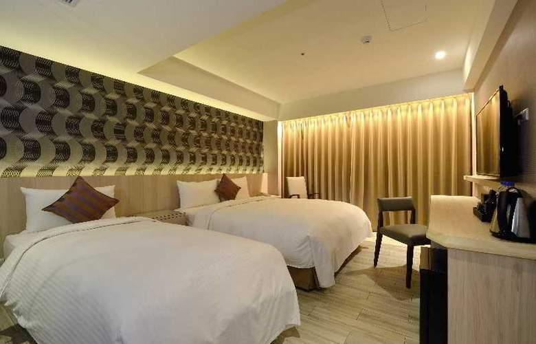 Regal Executive Suites - Room - 12