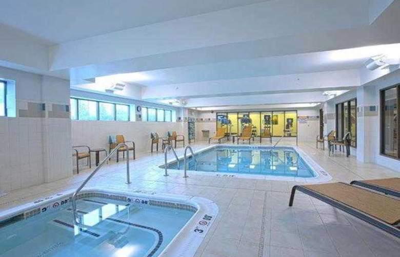 Courtyard Hagerstown - Hotel - 10