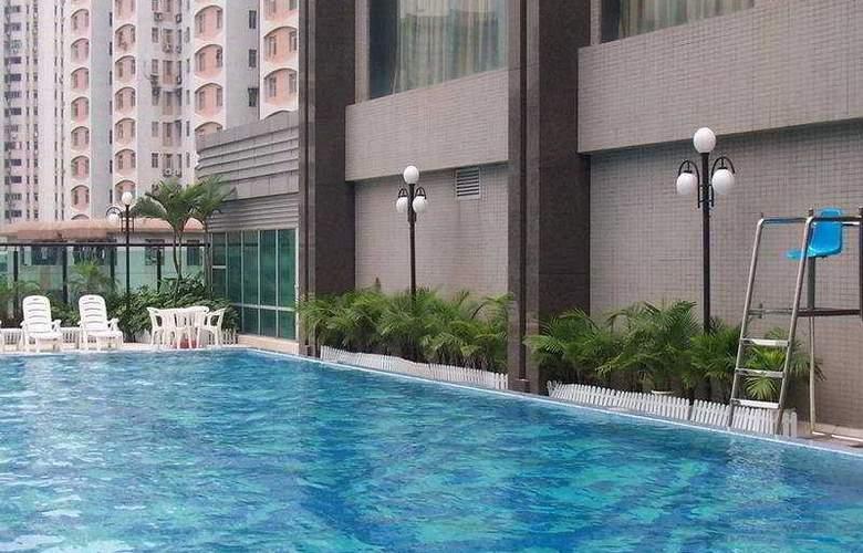 Grand International - Pool - 5