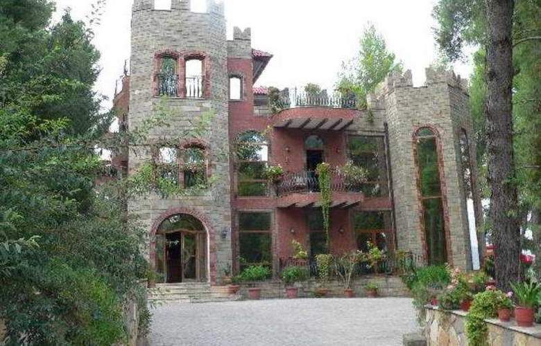 Castle Park - Hotel - 0