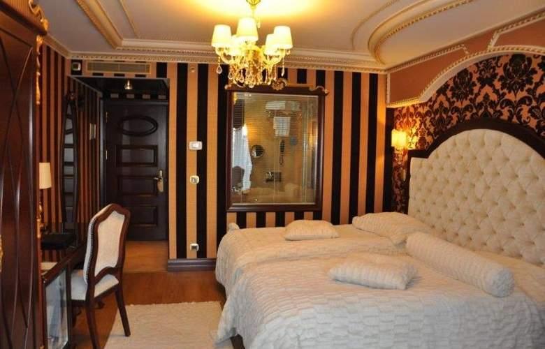 ADJ Ottoman's LIife - Room - 1