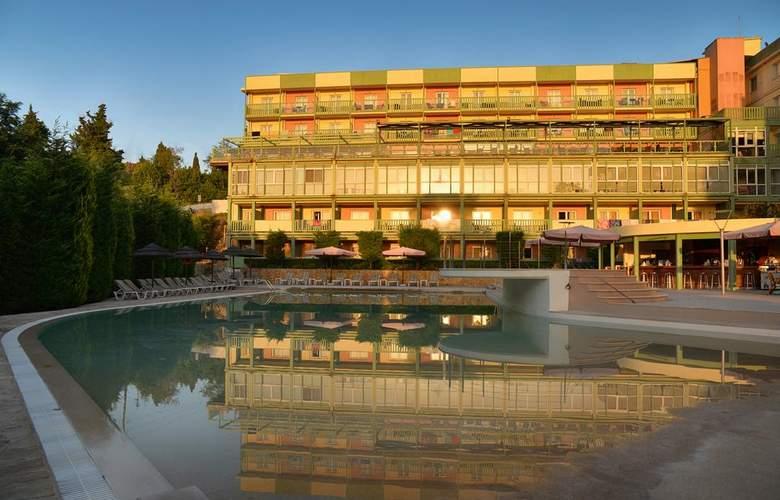 Ariti Grand Hotel - Hotel - 0