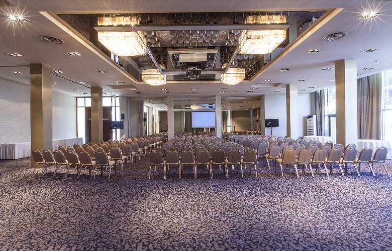 Classical Makedonia Palace - Conference - 42