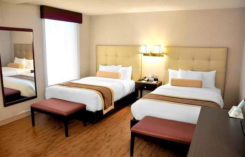 Best Western Plus Montreal Downtown Hotel Europa - Room - 45