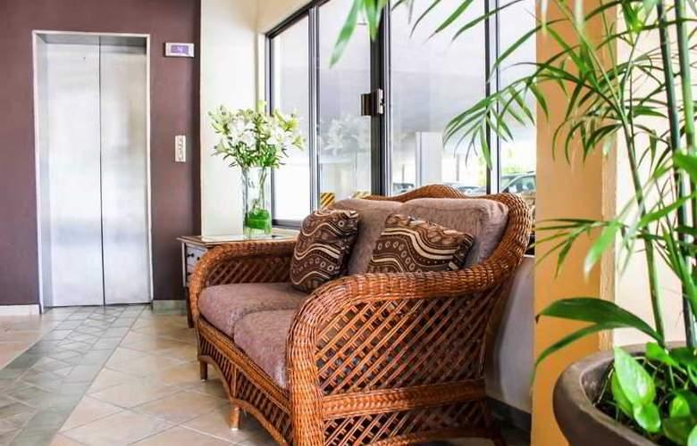Comfort Inn Tampico - Hotel - 7