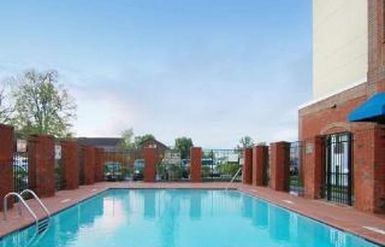 Comfort Suites Murfreesboro - Pool - 5