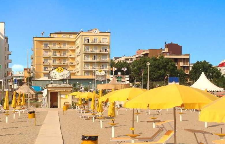 Continental E Dei Congressi Hotel - Beach - 6