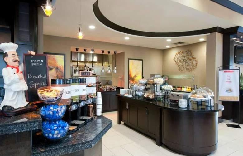Hilton Garden Inn Fort Worth Alliance Airport - Restaurant - 10