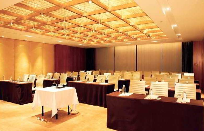 Nikko - Conference - 15