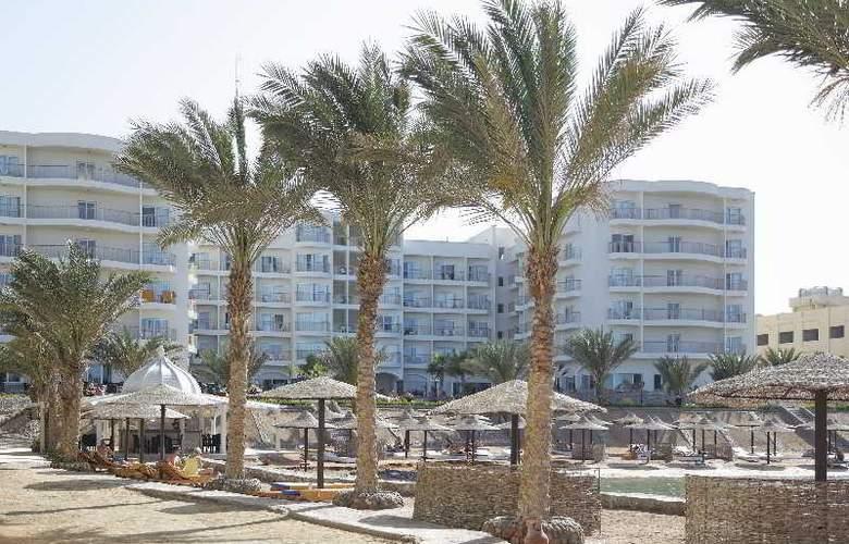 The Three Corners Royal Star Beach Resort - Beach - 34