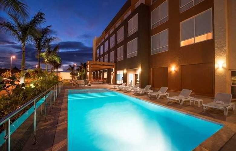Four Points by Sheraton Puntacana Village - Pool - 1