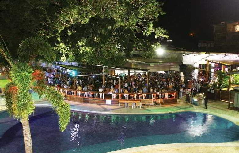 Gilligan's Backpackers Hotel & Resort Cairns - General - 2