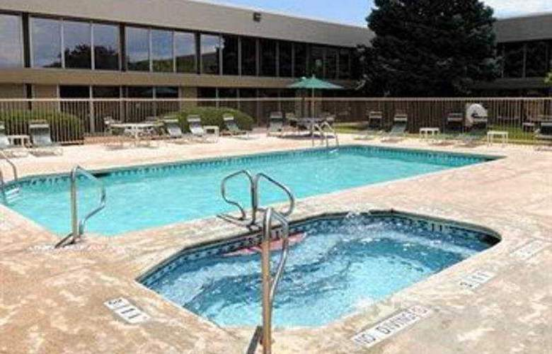 Clarion Inn North Grand Junction - Pool - 3
