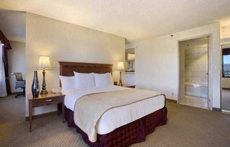 Hilton Woodland Hills-Los Angeles - Hotel - 4