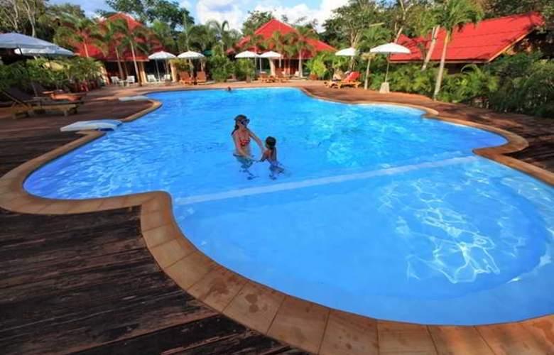 Green View Village Resort - Pool - 19