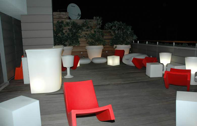 Porto Trindade Hotel - Bar - 2