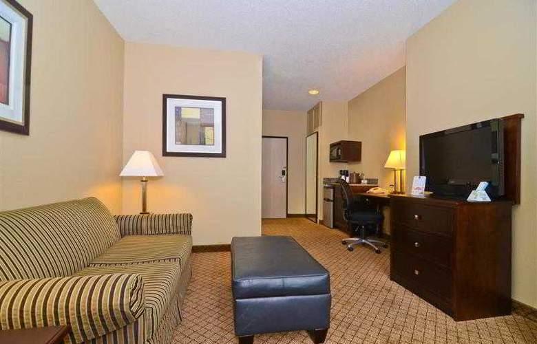 Best Western Plus Macomb Inn - Room - 23