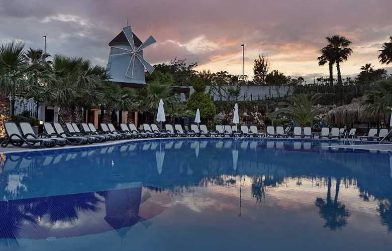 Alba Royal - Pool - 14