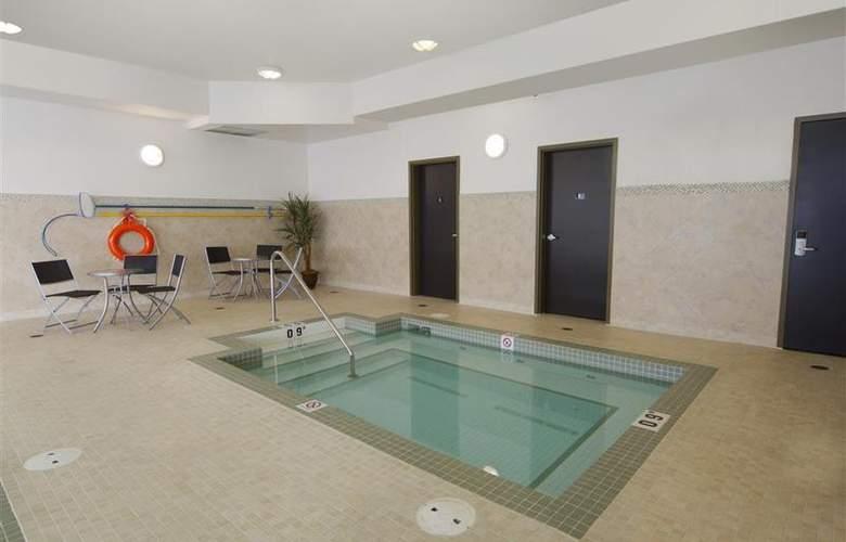 Best Western Plus The Inn At St. Albert - Pool - 131