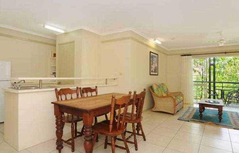 Cairns Queenslander Apartments - Room - 8