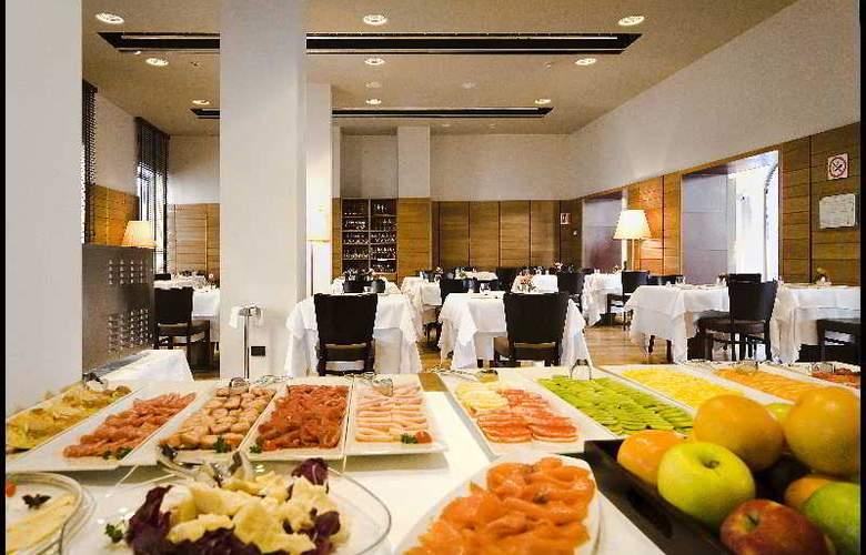 NH Torino Santo Stefano - Restaurant - 15