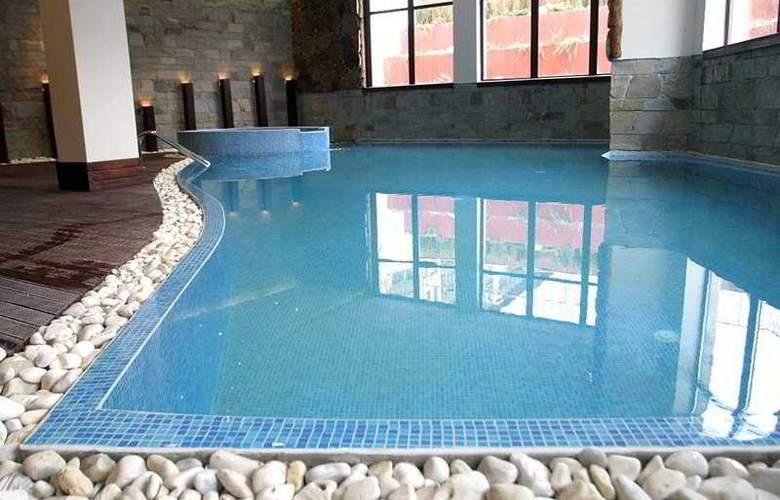 Royal Towers - Pool - 7