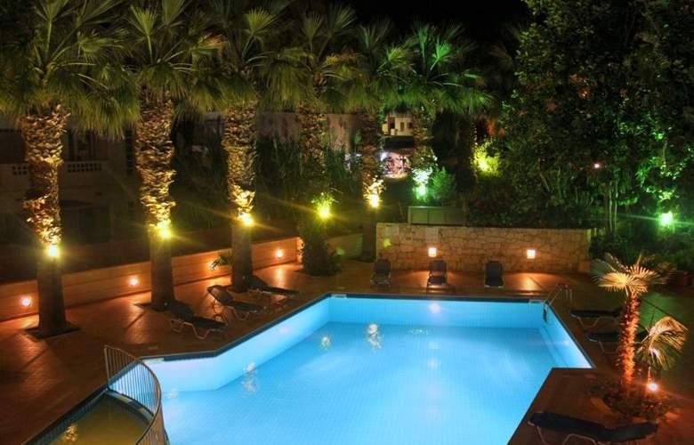 Latania Studios & Apartments - Pool - 20