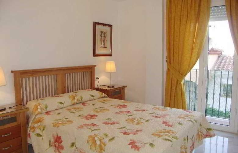 Lual - Room - 1