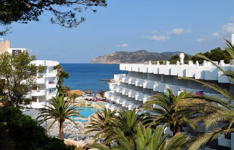 Fergus Style Cala Blanca Suites - Hotel - 3