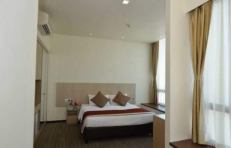 Aqueen Hotel Lavender - Pool - 20